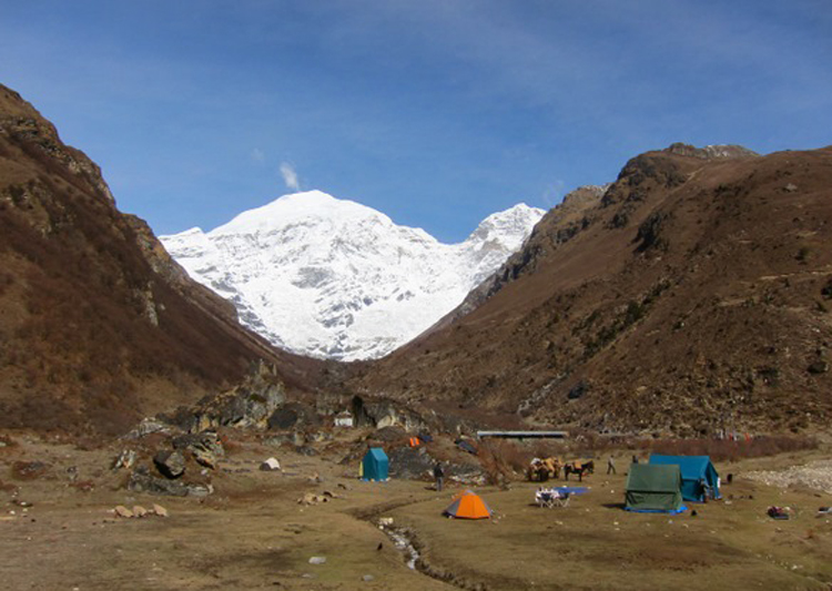 Chomalhari Base Camp Trek 1