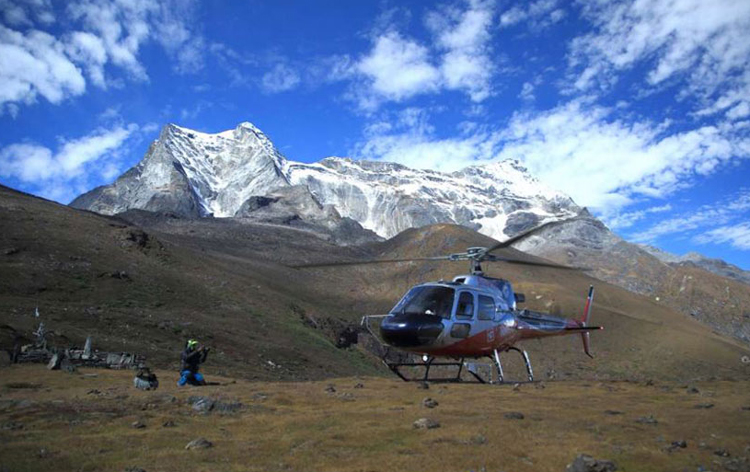 Kailash Tour by Helicopter 5